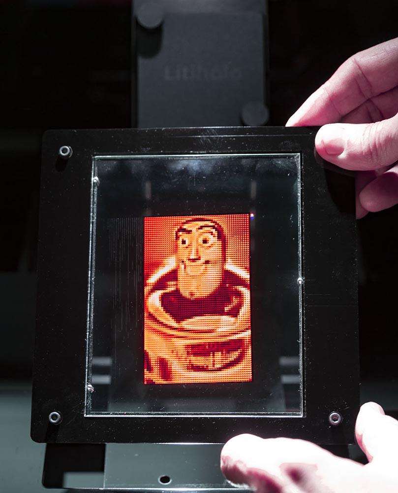 buzz-hologram-on-the-printer